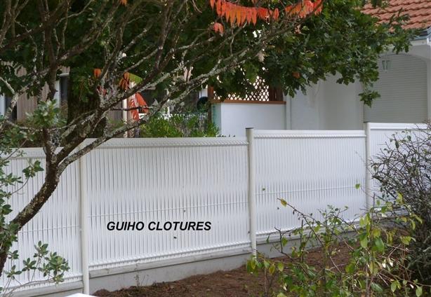 CLOTURE TREILLIS SOUDE AVEC OCCULTATION EN PVC BLANCHE -  44250 SAINT BREVIN